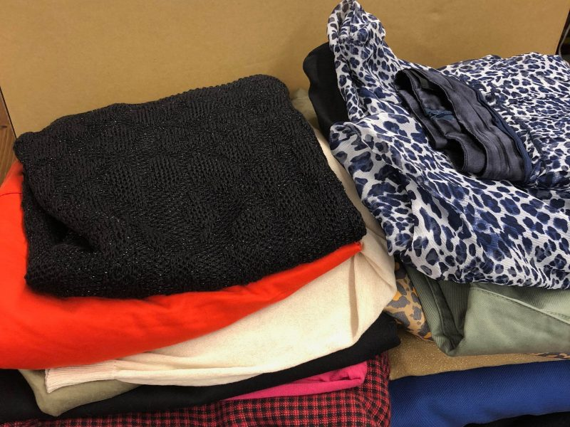We bought We bought 17 items(Drawer,LANVIN etc)from a customer in Kanagawa.